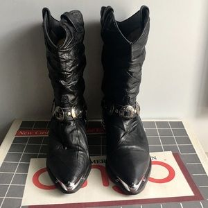 Dingo Black Silver Tipped Boots 9M